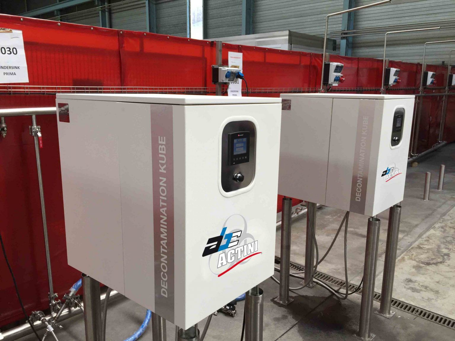 Kube lab decontamination unit producted in series